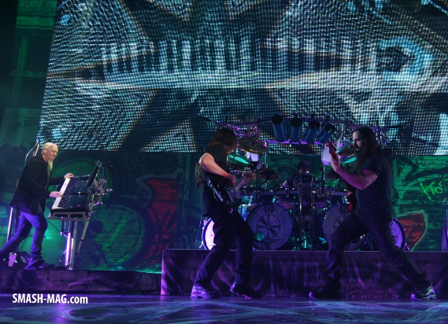 dream-theater-live-duesseldorf-2014-27