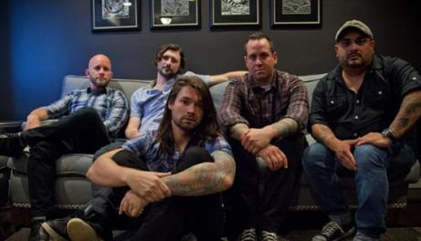 "TAKING BACK SUNDAY MIT ""HAPPINESS IS"" AUF TOUR"
